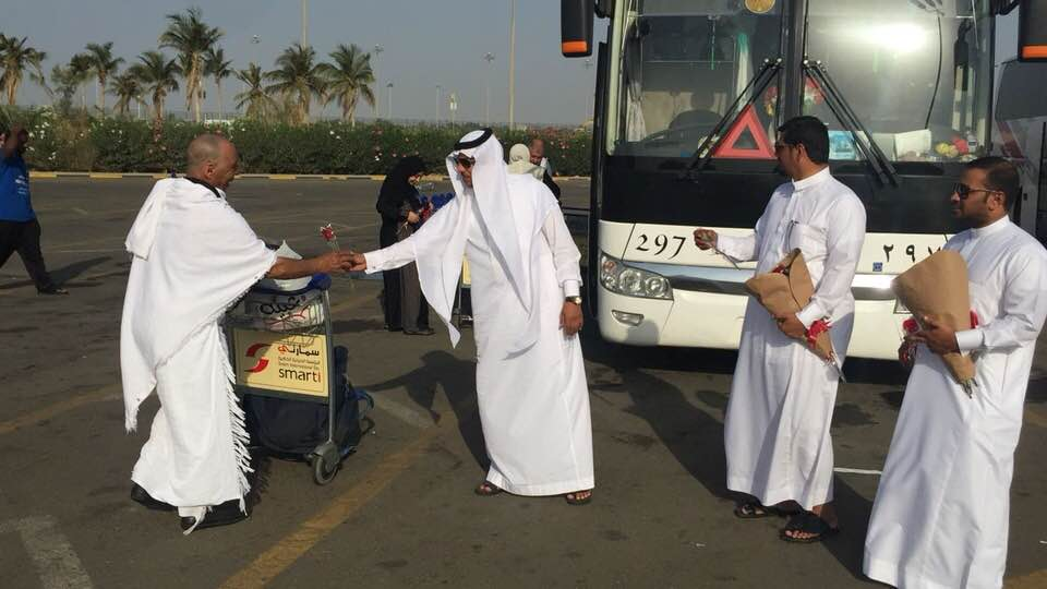 رئيس مجلس الاداره ( مهندس / سطام المطرفي ) لمجموعه التوحيد  يستقبل اول قروب مصري يصل مطار جده